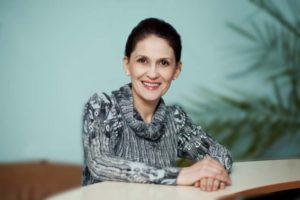 Елена Поспеева - бизнес-тренер, коуч, консультант по управлению, эксперт в области оценки персонала